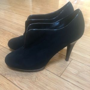 IMPO Black Suede shoe with paten leather accents